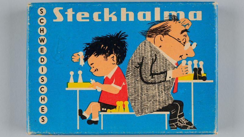 Schwedisches Steckhalma des VEB Papier- und Pappenverarbeitung Olbernhau, 1972