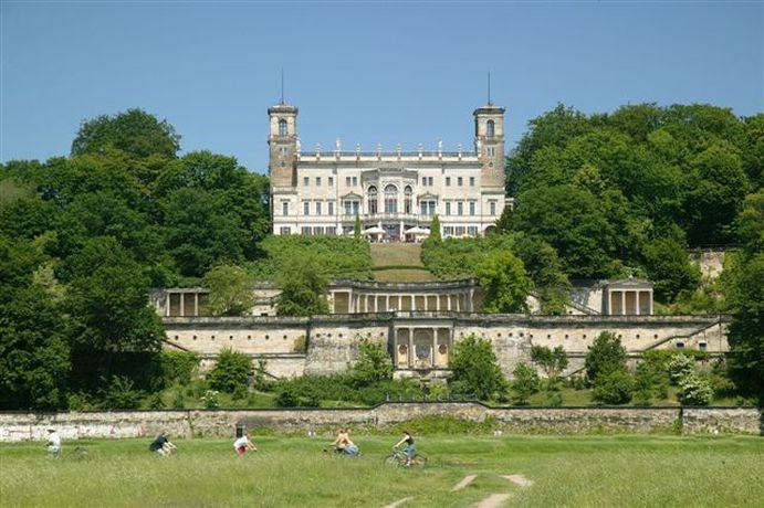 Schloss Albrechtsberg-Südansicht Foto Schloss Albrechtsberg