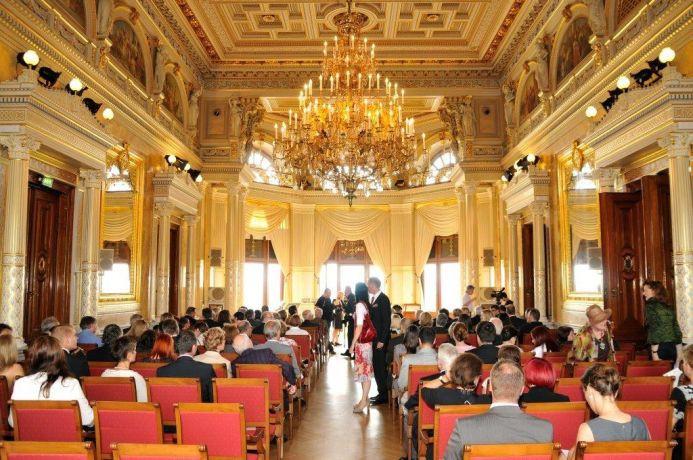Kronensaal Reihen-Konzertbestuhlung Foto Schloss Albrechtsberg