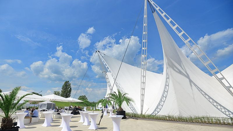 Ostra-Dome Außenansicht2 (c) Michael Schmidt & First Classs Concept