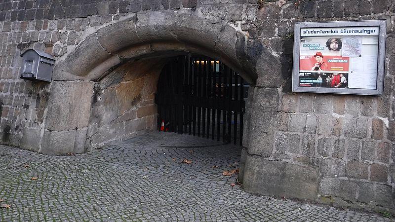 Club Bärenzwinger Eingang (c) kuka
