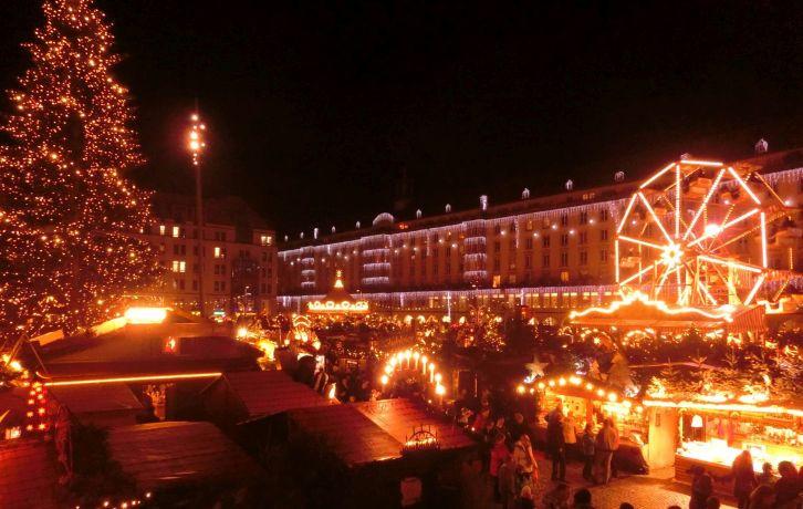 Striezelmarkt Dresden Foto EMOD