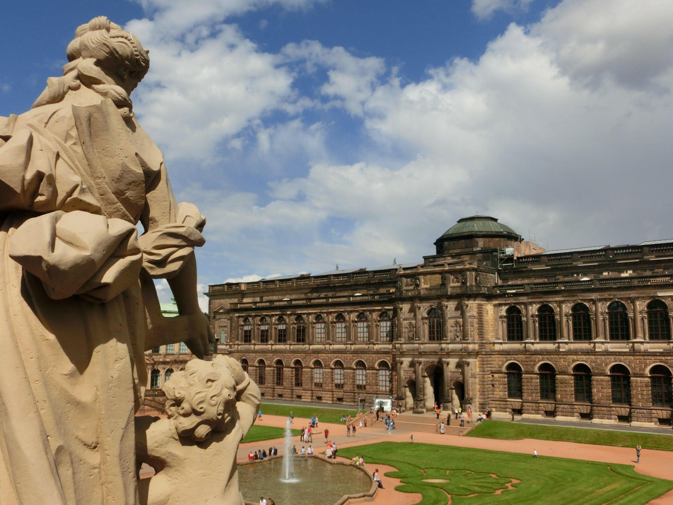 Zwinger Dresden (Semperbau)_(c)_EMODD