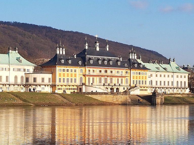 Schloss Pillnitz - Freitreppe Foto emodd