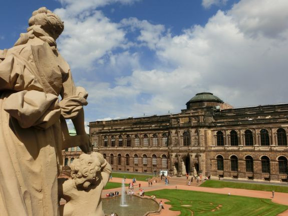 Zwinger Dresden Sempergalerie Alte Meister (c) KuKa